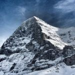 Munții care-și cer ofrandele Munții care-și cer ofrandele Death wall of Eiger 150x150