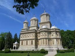 Manastirea Argesului si Fantana lui Manole – una dintre cele mai vechi lacase de cult din Romania Workshop - Transfăgărășan – Source of legends Workshop – Transfăgărășan – Source of legends M Argesului