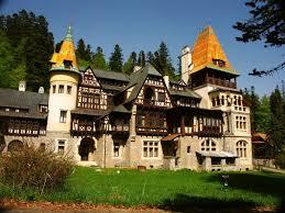 Pelisor – poate cel mai extravaganta resedinta din Romania, a fost locuita de perechea principiara Ferdinand si Maria in 1903.